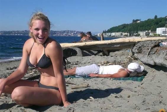 Приколы на пляже (15 фото)