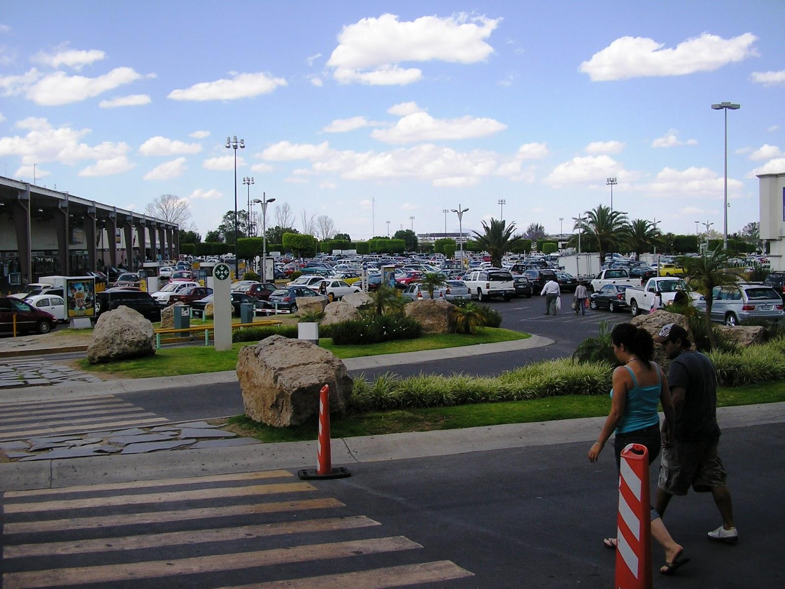 M xico a trav s de la mirada de una cubana plaza galer as for Sanborns de los azulejos tiene estacionamiento