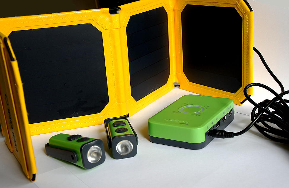 Evolutie blog: Waka Waka Base10: first test results. Solar panel to charge led lights, tablets ...