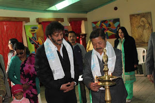 Himachal Pradesh artist Ravi Gurung painting exhibition inaugurated by mohan pukar in kalimpong