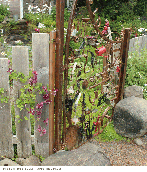 Recycled garden art ideas photograph recycled garden art i for Recycled garden art ideas