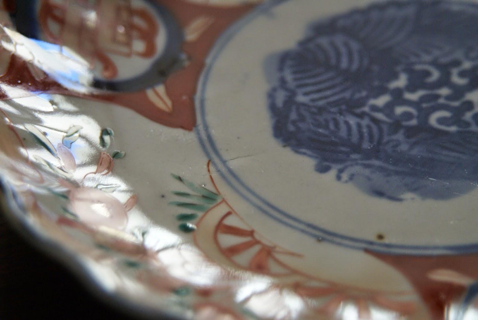 fêlure ou fêle dans la porcelaine