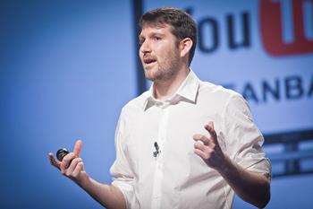 Eli Pariser - Foto Palestra no TED sobre o Livro O Filtro Invisível