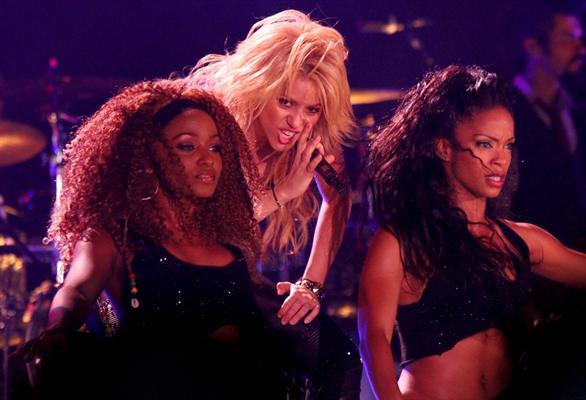 Galería » Apariciones, candids, conciertos... - Página 2 Shakira+roni+%25288%2529_634420906969609680_PhotoGalleryMain