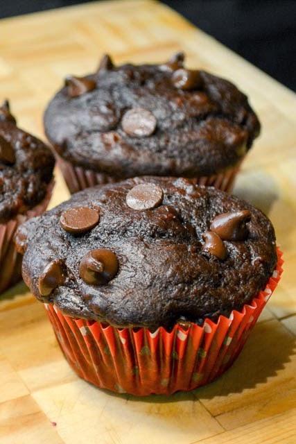 Featured Recipe | Double Chocolate Chip Banana Muffins from I Am A Honeybee #recipe #breakfast #chocolate #muffins #SecretRecipeClub