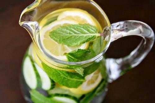 cucumber lemon mint detox water mind of a fashionista