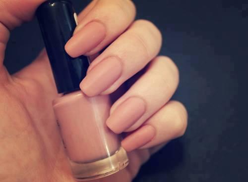 Rihanna oval shaped nails