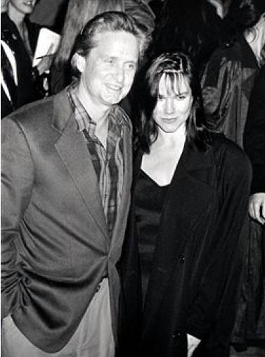 Michael Douglas Barbara Hershey movieloversreviews.blogspot.com