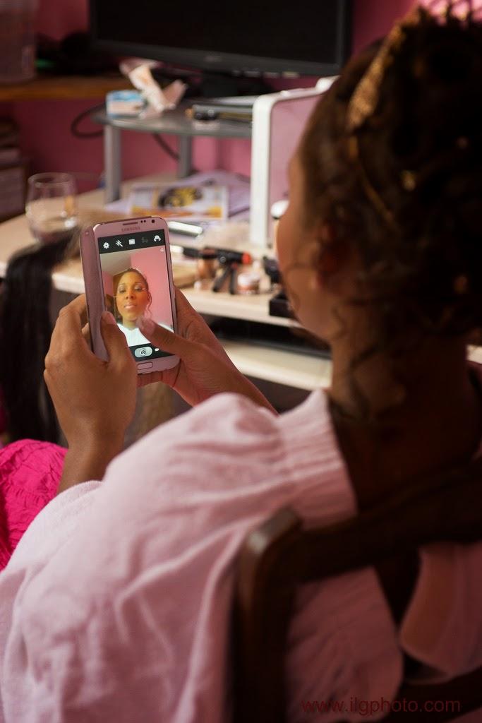 Mariage de Steffy et Manuel: Steffy se fait un selfie