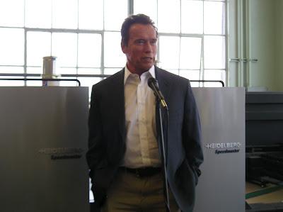 Arnold Schwarzenegger giving speech super shop 9 2012