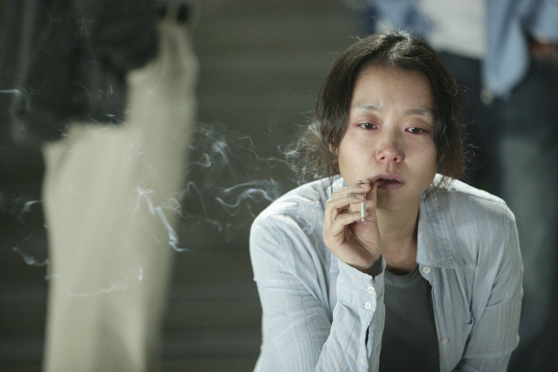 http://1.bp.blogspot.com/-a1cTREACeFM/TVvEESJOxuI/AAAAAAAADL8/orpVHOBUlLc/s1600/secret-sunshine-milyang-secret-sunshine-17-10-2007-17-05-2007-11-g.jpg