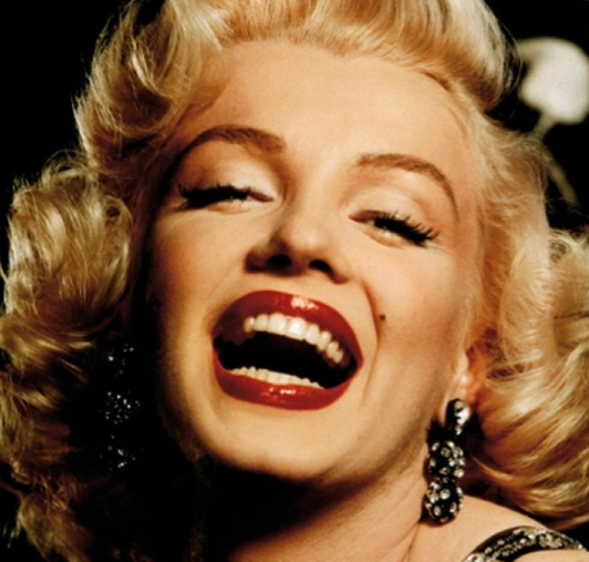 Free Marilyn Monroe Essays and Papers