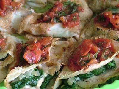 Zapiekane naleśniki ze szpinakiem i mozzarellą