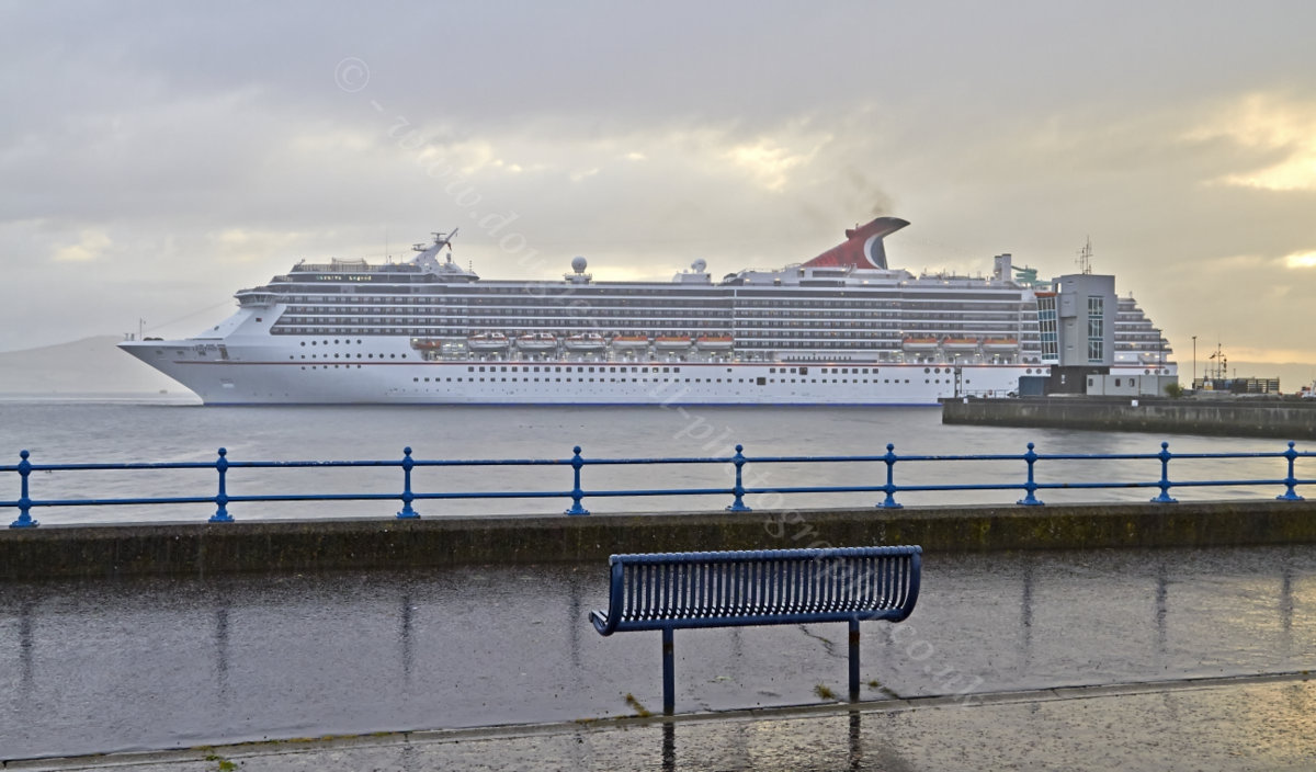 Dougie Coull Photography Carnival Legend Cruise Ship At Greenock - Cruise ships at greenock