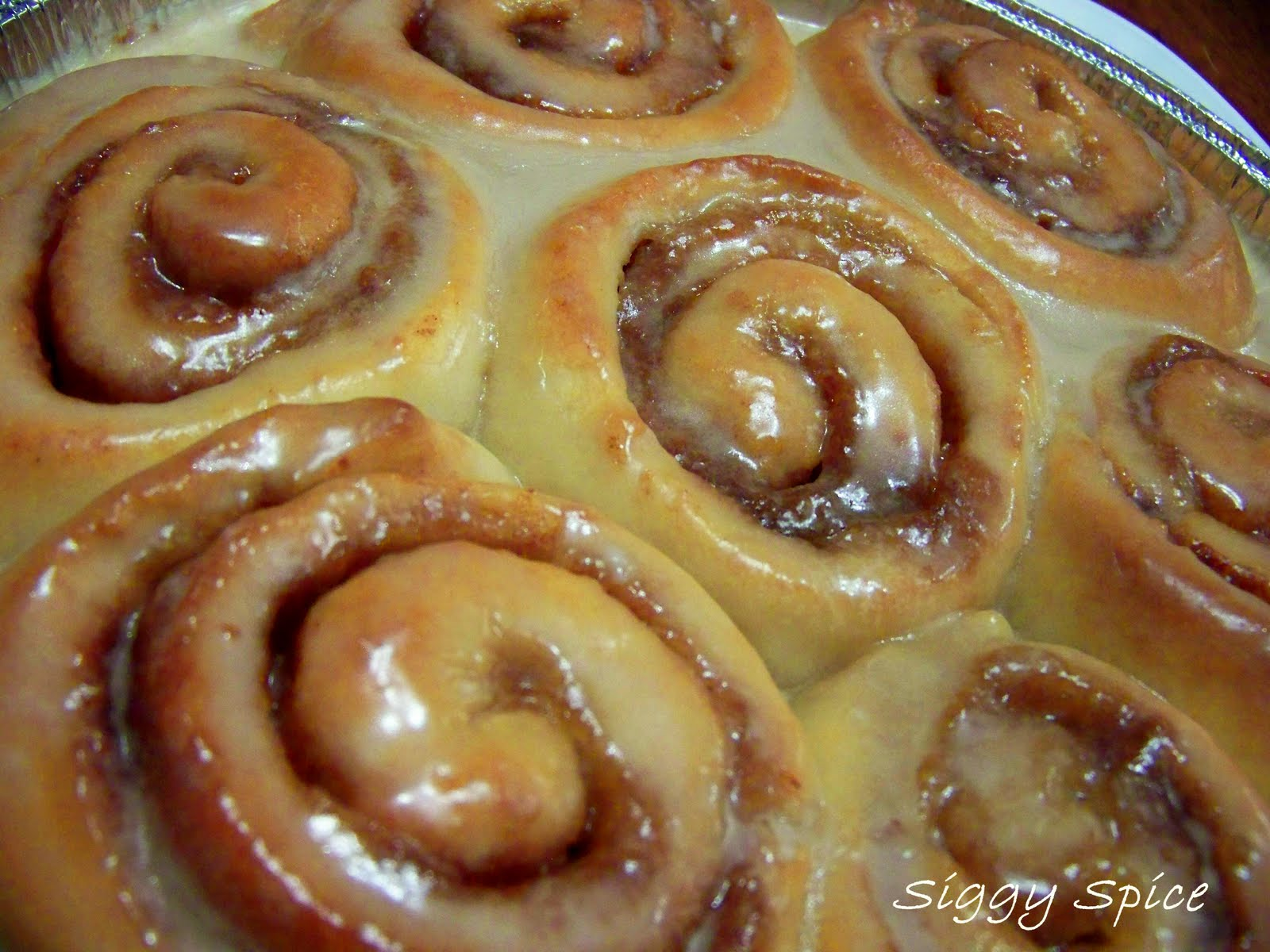 for those of you who have made pioneer woman s cinnamon rolls this is ...
