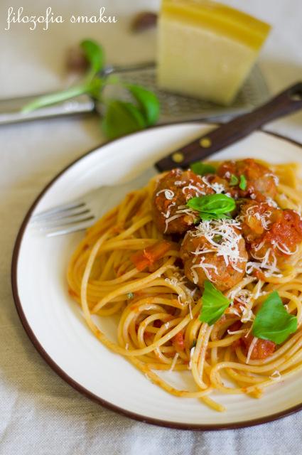 Spaghetti z klopsikami po włosku