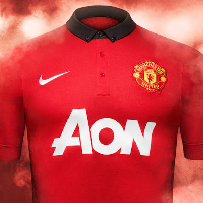 Se le termina el período de cortesía a Nike, y las marcas deportivas van en busca de vestir al Manchester United