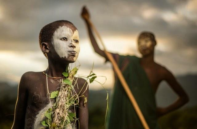 Un niño de la tribu Suri