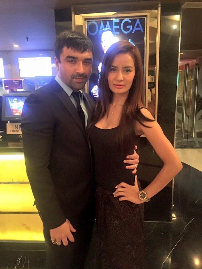 ajaz khan with girl
