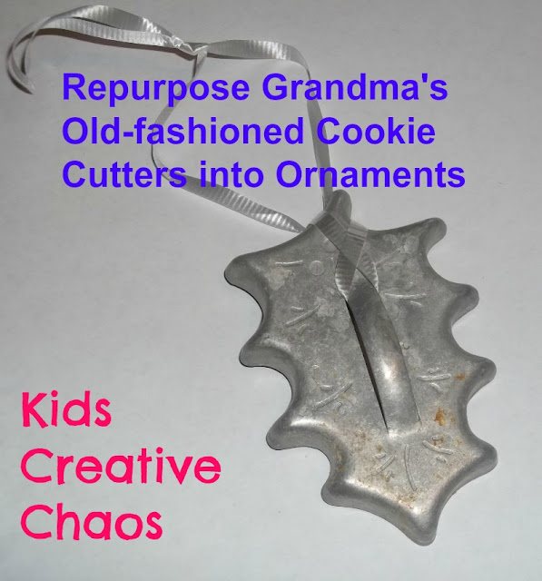 Old-fashioned cookie cutters make awesome Christmas Tree ornaments.