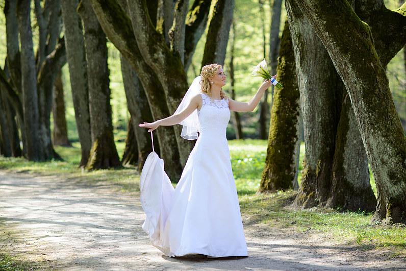 Vestuvių fotosesija Oginskių dvaro parke