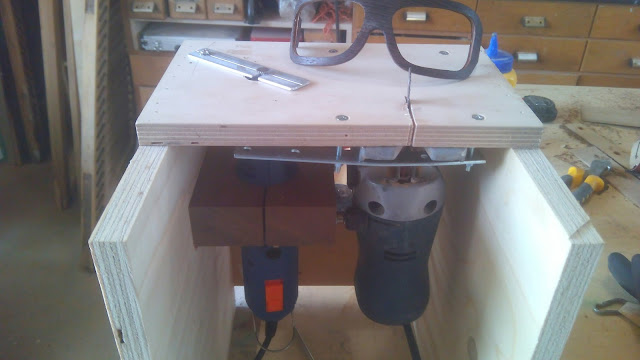 Diy progetti how to occhiali in legno auto costruiti for Banco fresa legno