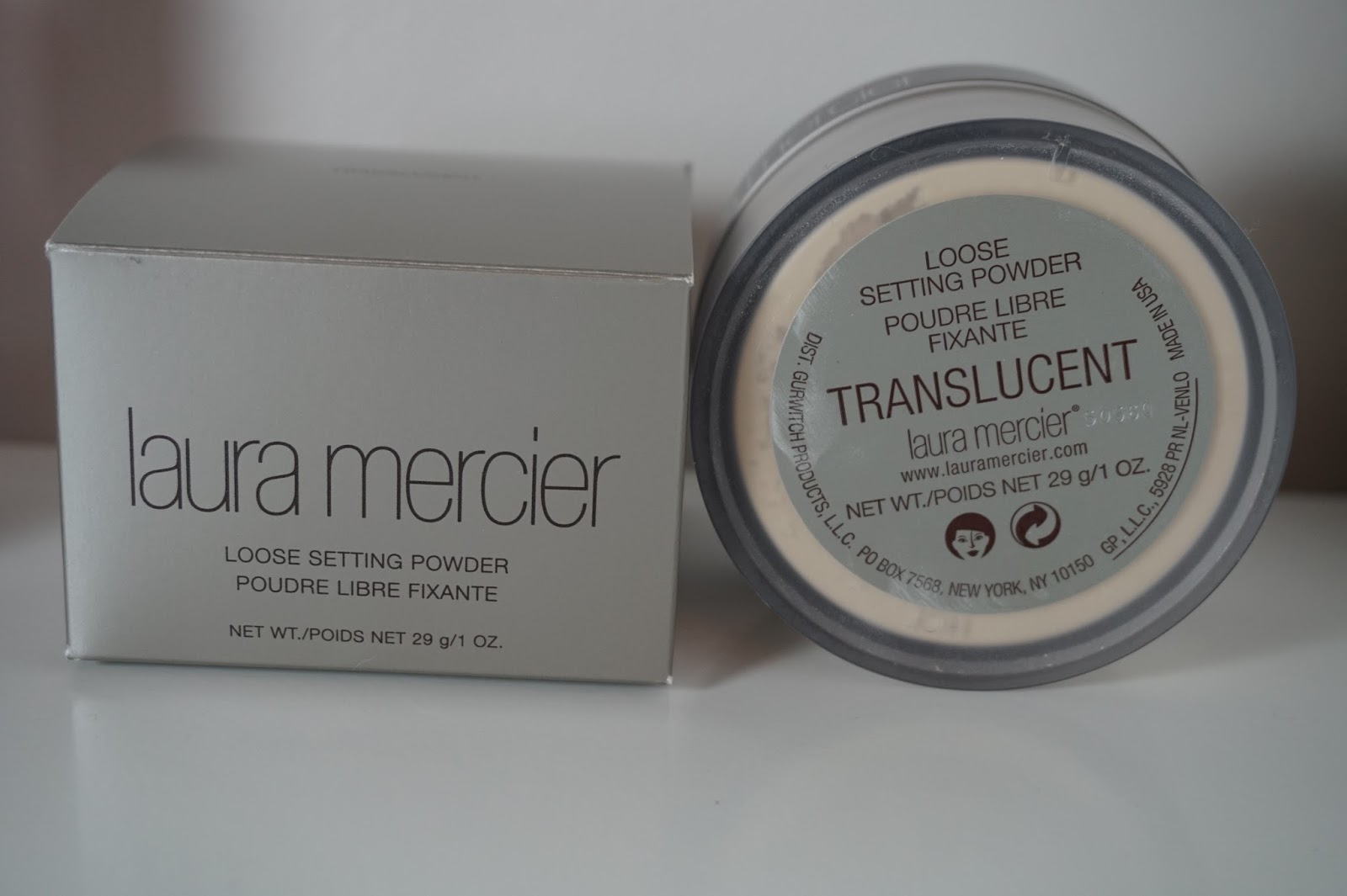how to put translucent powder on