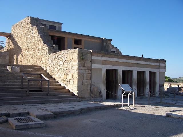 Taht Odası Kompleksi; Knossos Sarayı