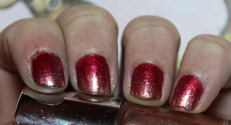 christmas red gold nail gradient