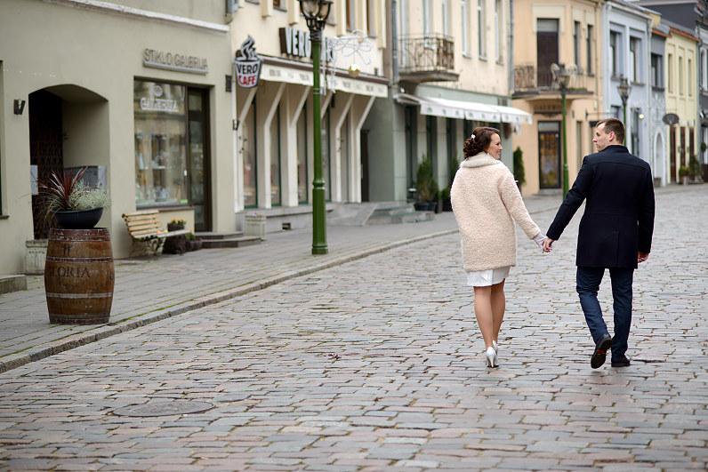 vestuvinė fotosesija Kauno senamiestyje