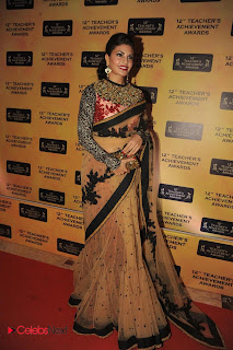 Jacqueline Fernandes Pictures in Saree at 12th Teacher\'s Achievement Awards 2013  0002