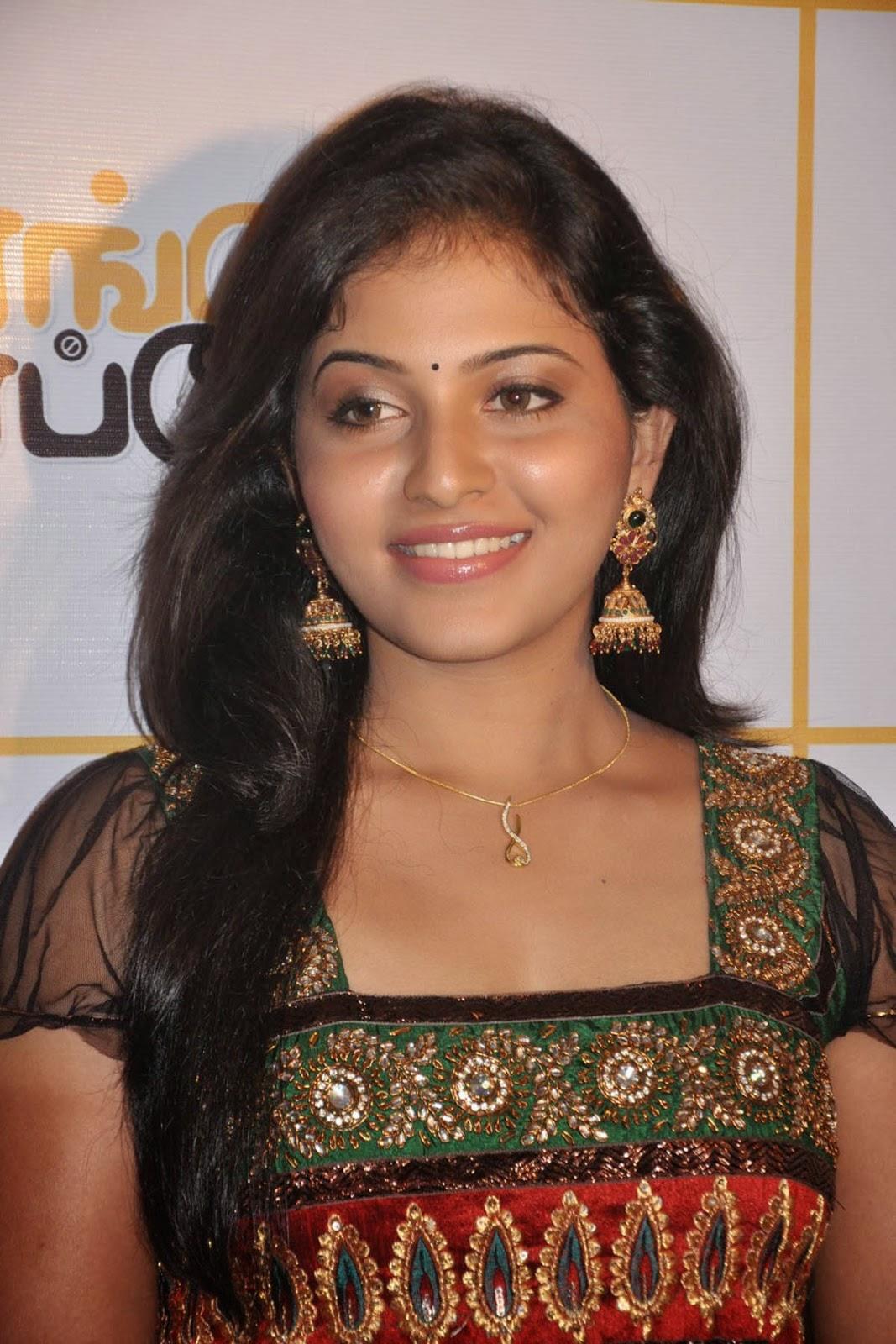actress anjali wallpapers | art and entertainment blog