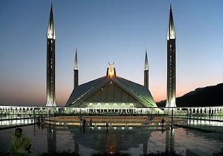 foto masjid shah faisal