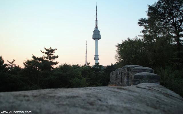 Muralla de Seúl y Torre N de Namsan