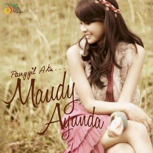 Lirik Lagu Perahu Kertas - Maudy Ayunda