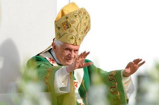 天主教皇本篤十六世2月28日退位 各界震驚 - Omega Ministry - 中國朝顏事工
