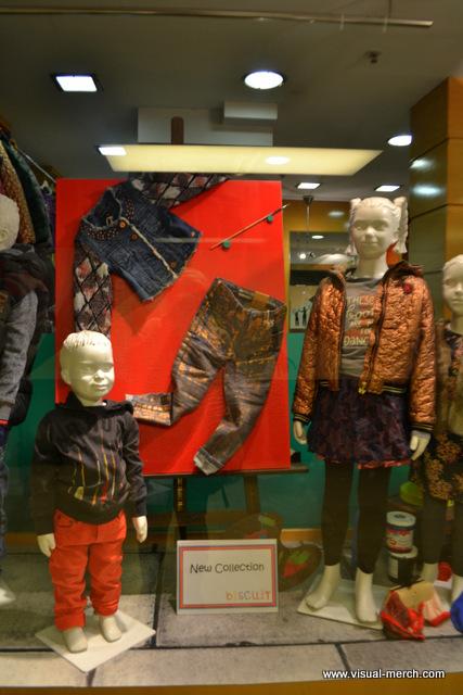 оформление магазинов детской одежды