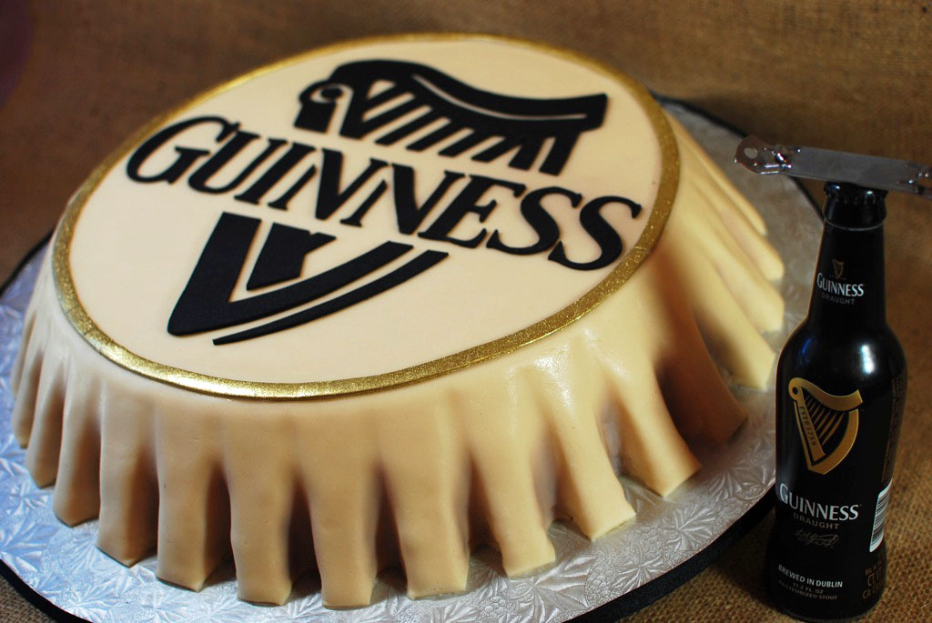 Cup a Dee Cakes Blog: Guinness Bottlecap Grooms Cake