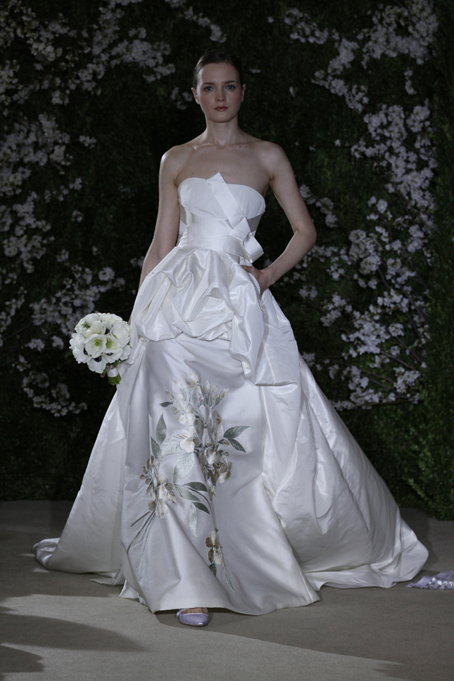 Nature inspired wedding dresses belle the magazine for Nature inspired wedding dresses