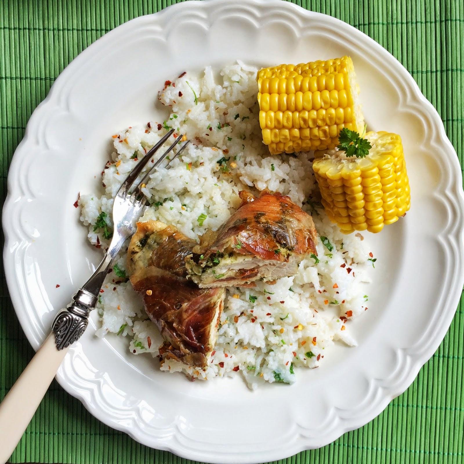 piers kurczaka, szynka parmenska, pesto, ptysiu mietowy