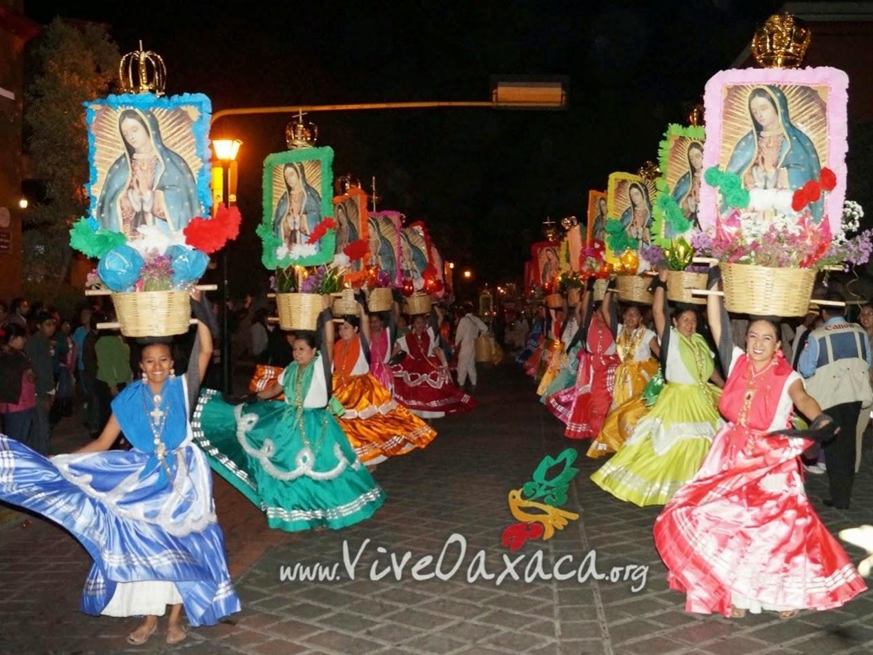 http://www.viveoaxaca.org/2014/12/celebran-calenda-en-honor-la-virgen-de.html