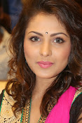 Madhu Shalini gorgeous looking photos-thumbnail-5