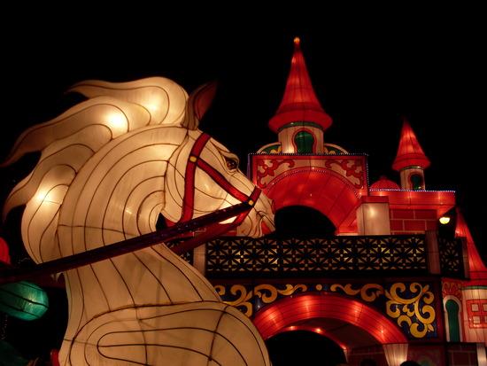 1.1257898897.779 أجمل مهرجانات العالم ''مهرجان المصابيح في تايلند '' سيذكرك بفيلم ديزني الشهير Tangled