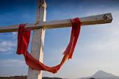 En la cruz Jesus murio ...