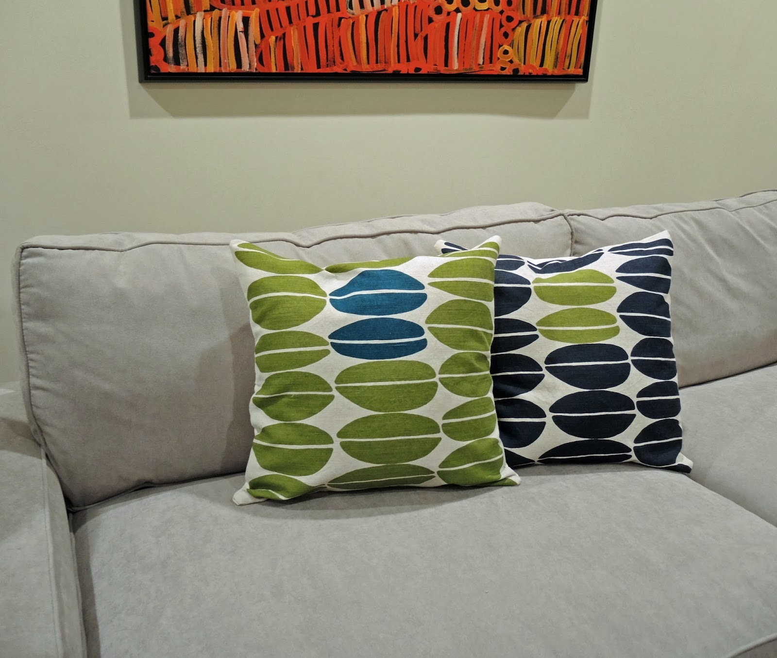 How To Make A Decorative Pillow With A Zipper : traceytoole: How to make: Throw pillow with zipper closure