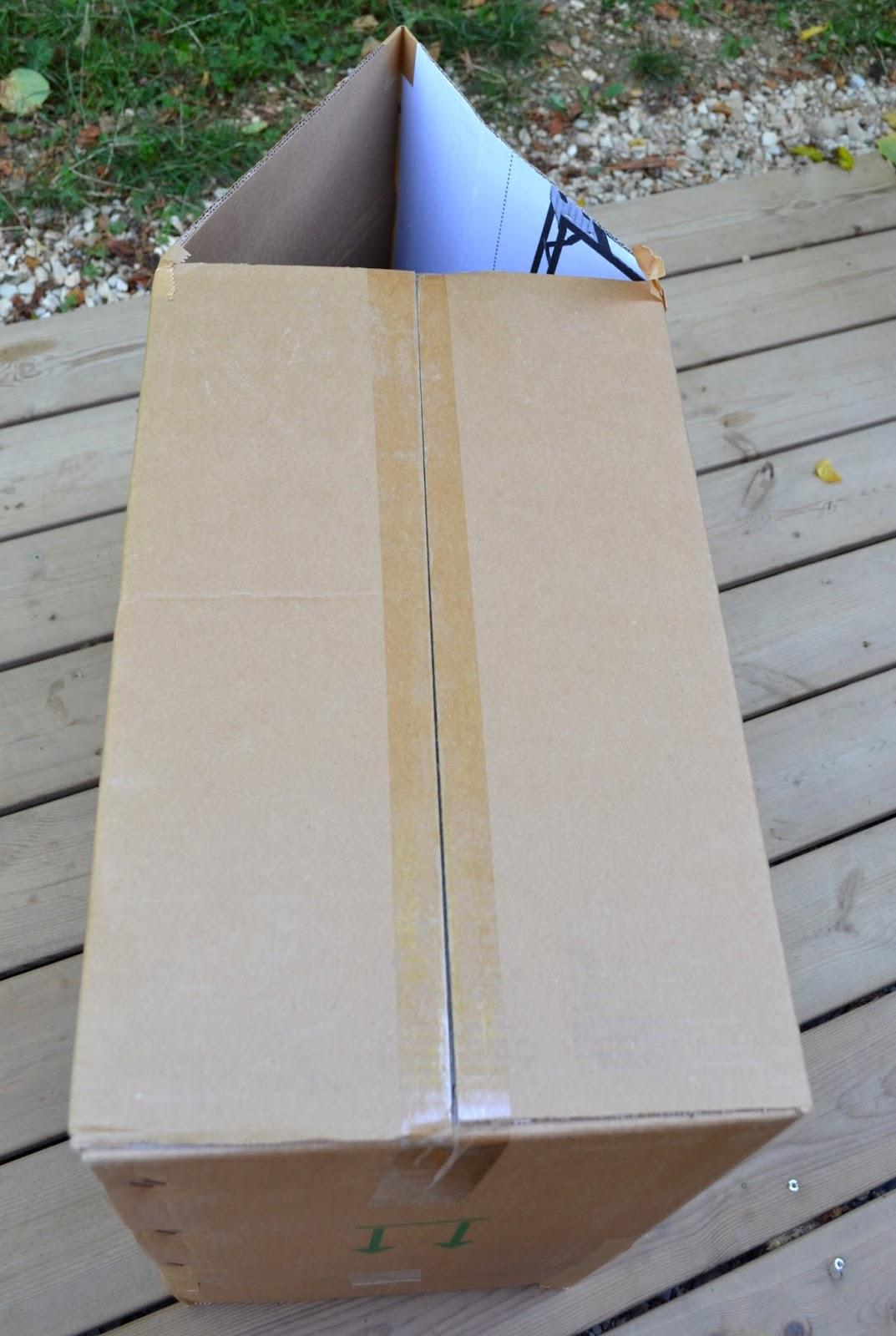 cabane en carton pour enfant maison maison maison with cabane en carton pour enfant amazing. Black Bedroom Furniture Sets. Home Design Ideas