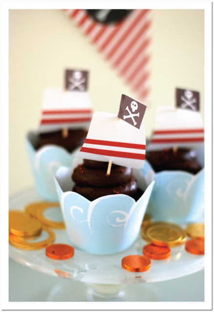 Pirates Party Free Printable Mini Kit.