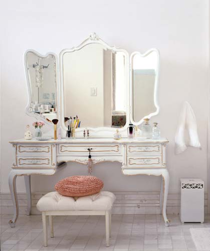 decoracao cozinha rural : decoracao cozinha rural:Vanity with Makeup Station
