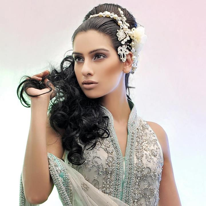 Fashion world latest Fashion: Pakistani girls party hair styles ...