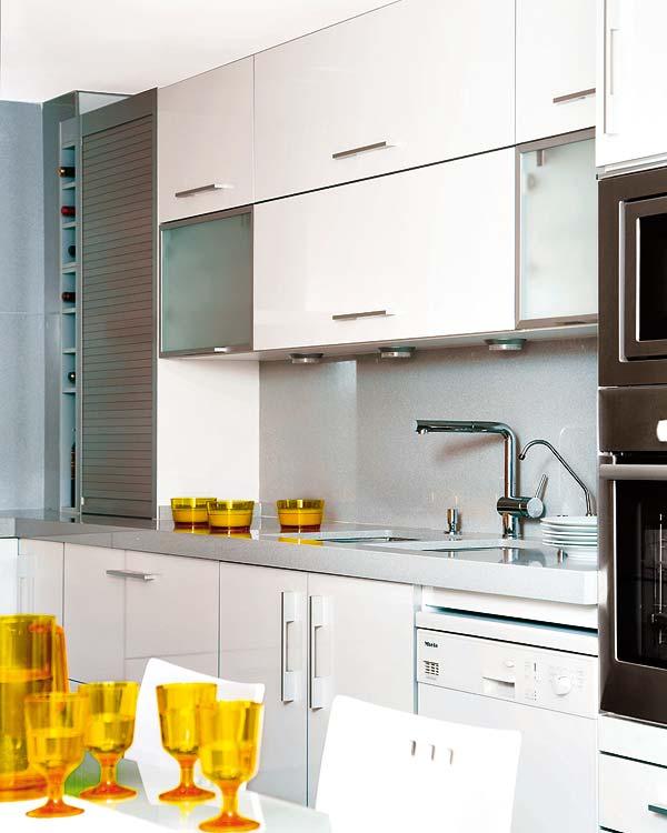 Uma cozinha alegre e atual  Jeito de Casa  Blog de Decoração # Armario De Cozinha Vai Ate O Teto